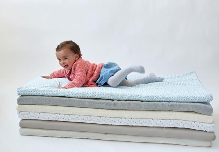 Matelas de voyage, retrouvez le meilleur pour bébé chez Bambinou