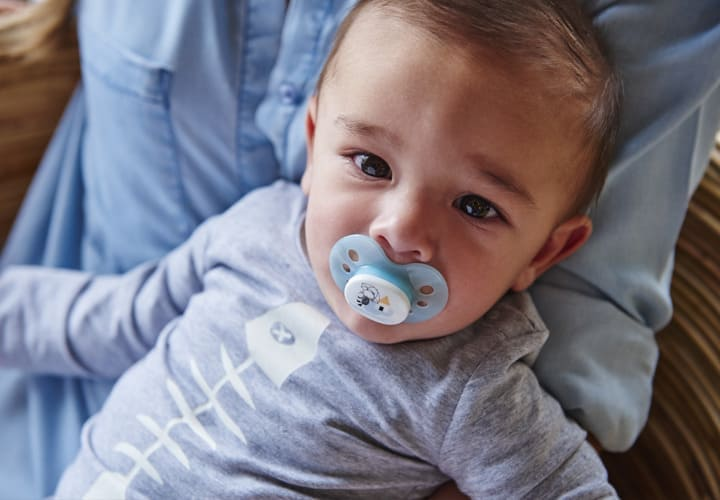 Sucettes & attache-sucettes, retrouvez le meilleur pour bébé chez Bambinou