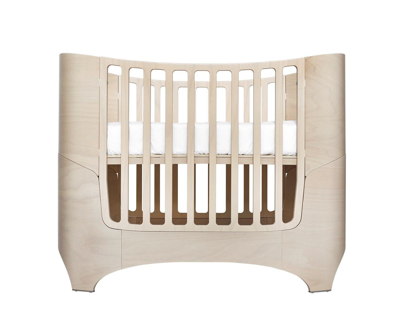 Lit bébé évolutif COMFORT +7 et flèche de lit Leander 2