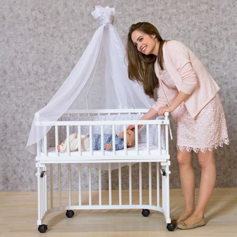 Barrière sécurité 4e côté berceaux Cododo Babybay en situation avec bébé et maman