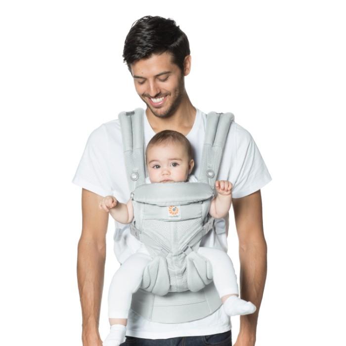 Porte-Bébé Omni 360 Cool Air Mesh ERGOBABY Gris avec papa et bébé