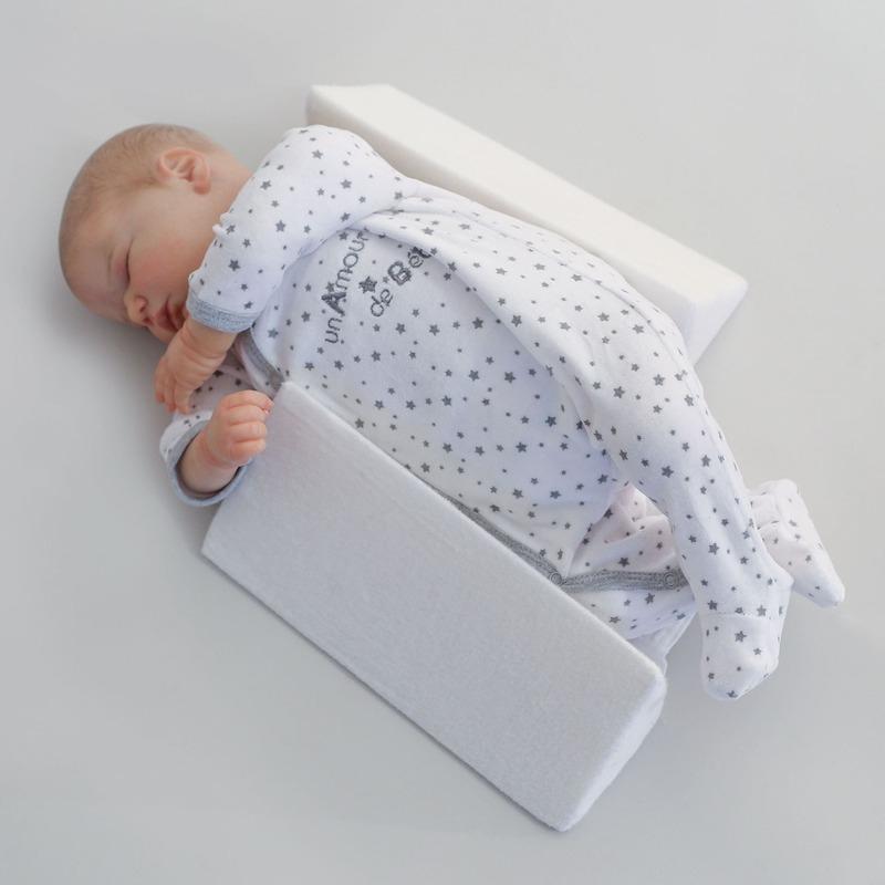 Cale bébé latéral et dorsal Trois Kilos Sept Latéral