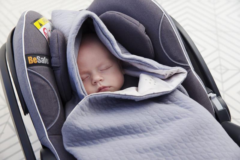 Couverture nomade Baby Wrap Voksi Bébé