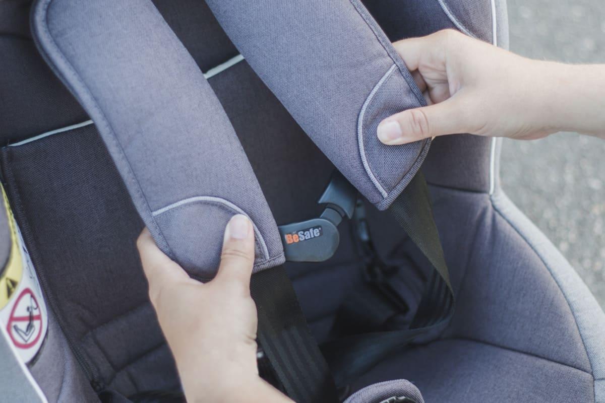 Fixe harnais pour siège-auto BeSafe attache