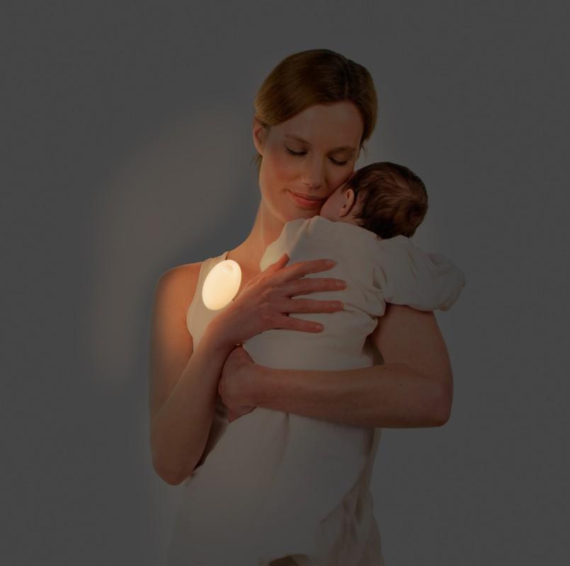 Veilleuse portative Meelight Meemoobaby maman berce bébé