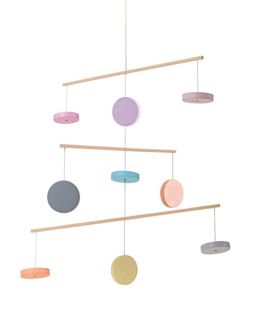 Mobile en bois pastel Plan Toys Produit