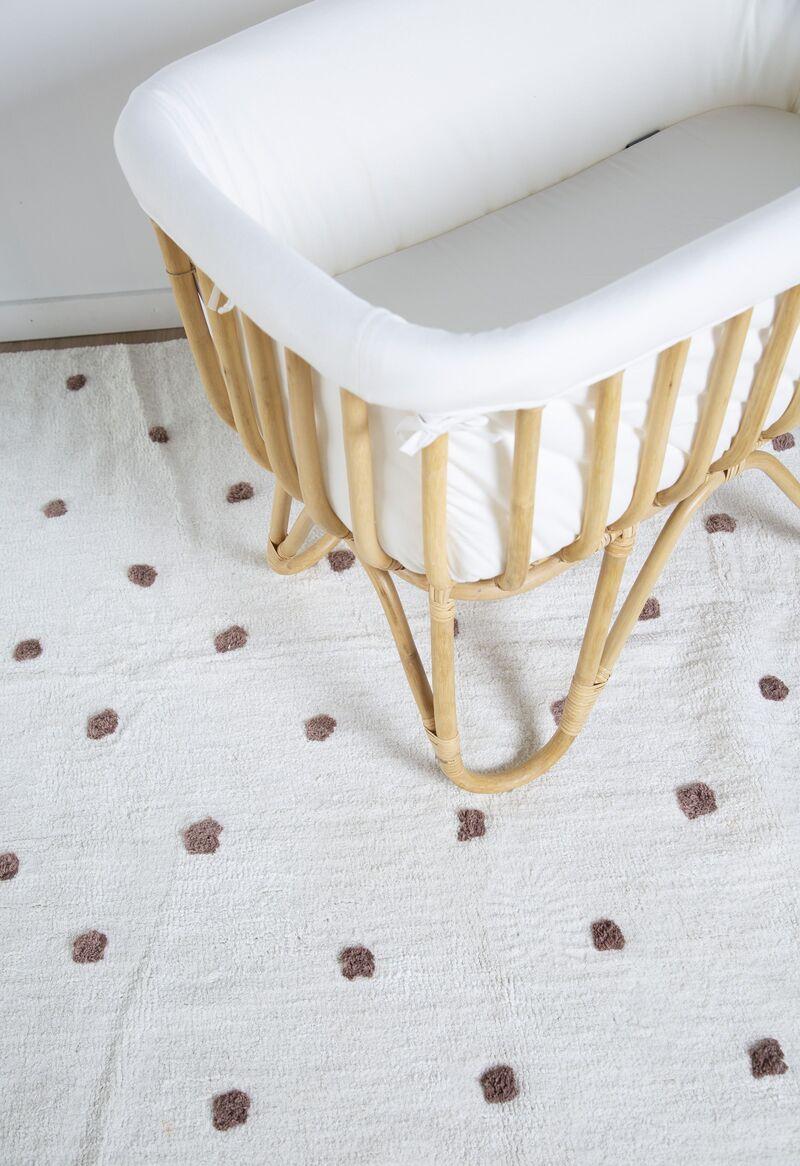 Berceau rectangulaire en rotin avec matelas et habillage en jersey tapis