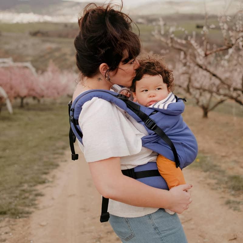 Porte-bébé préformé Néo+ Néobulle enfant porté devant