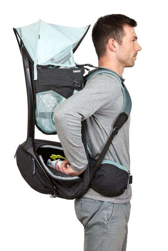 Porte-bébé de randonnée Sapling Thule porté