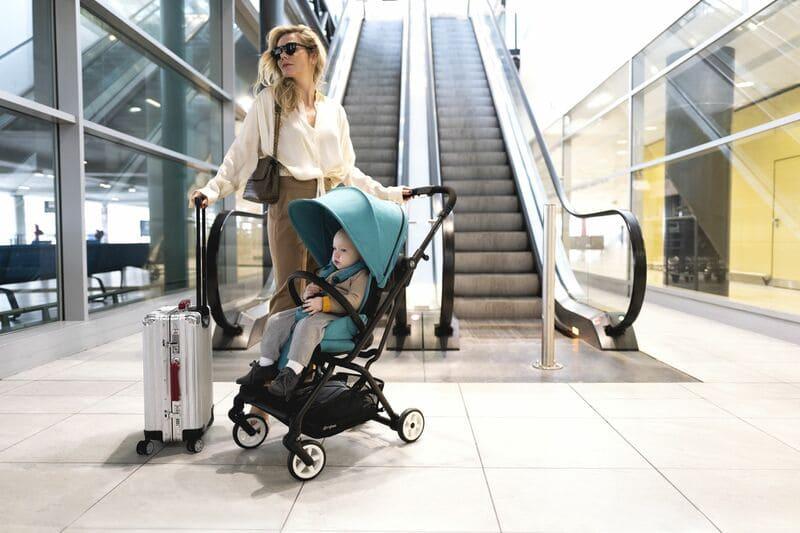 Pack poussette Eezy S Twist 2, siège-auto Cloud Z et adaptateurs Cybex Maman