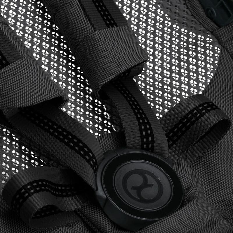 Pack poussette Melio Carbon Deep Black + siège-auto Cloud Z i-Size Cybex Harnais