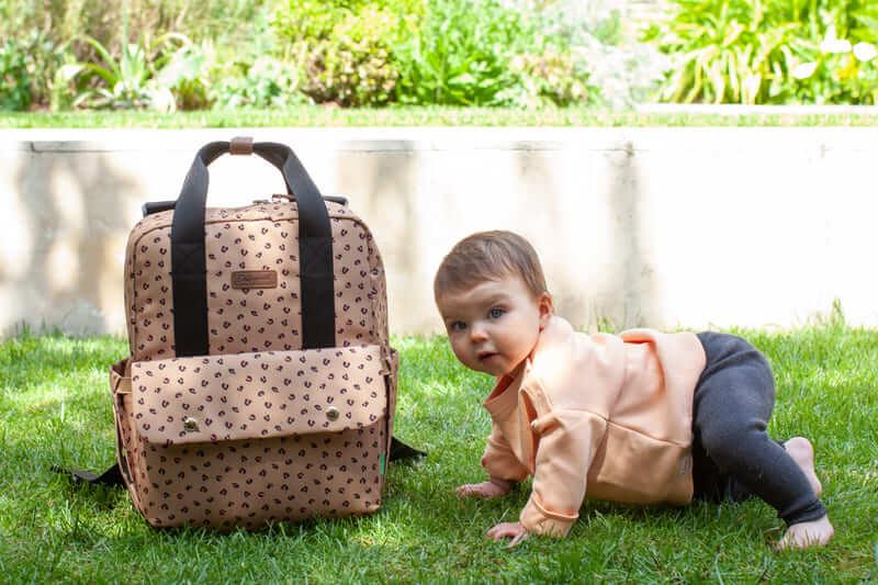 Sac à dos à langer Georgi Eco Leopard Babymel Ambiance