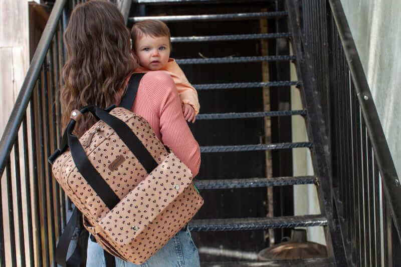 Sac à dos à langer Georgi Eco Leopard Babymel Famille