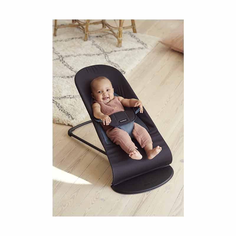 Transat Balance Soft Coton Noir/ Gris foncé Babybjorn lifestyle produit